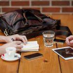 【初めて転職活動する方へ】転職エージェントが無料で利用できる仕組みと3つの利用メリット